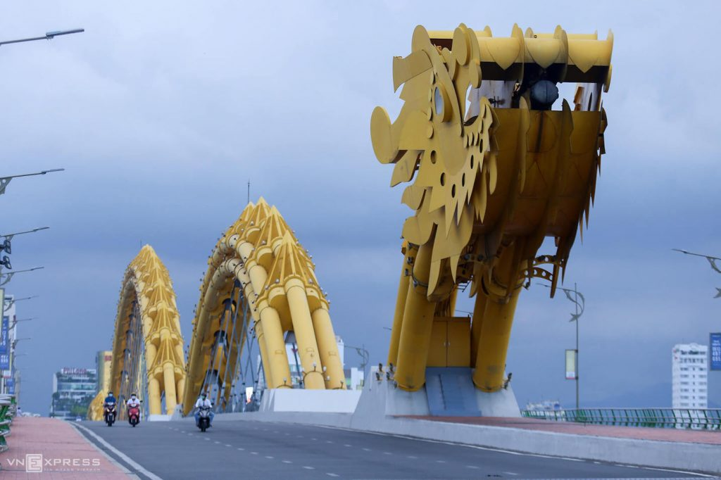 Empty Dragon Bridge in Da Nang as the city is under lockdown 28 Jul 2020
